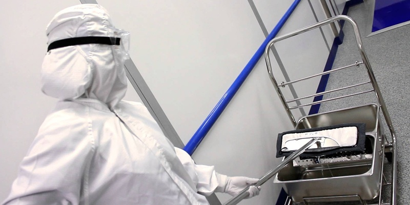 cleanroom-cleaning-mop